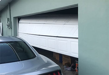 Garage Door Off Track | Garage Door Repair Brookfield, CT